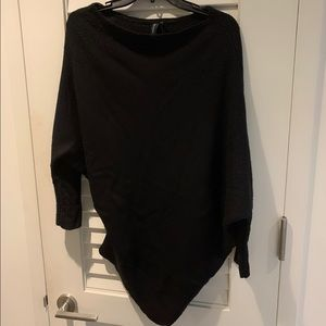 Marciano flattering black soft sweater